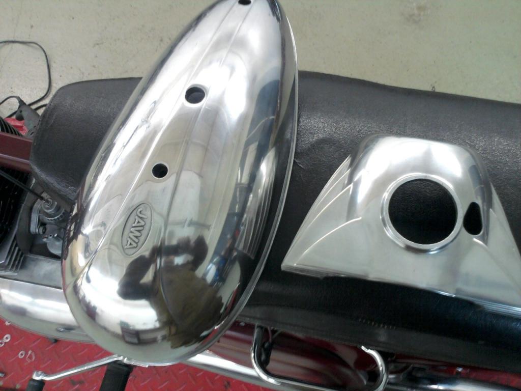 полировка крышки двигателя явы